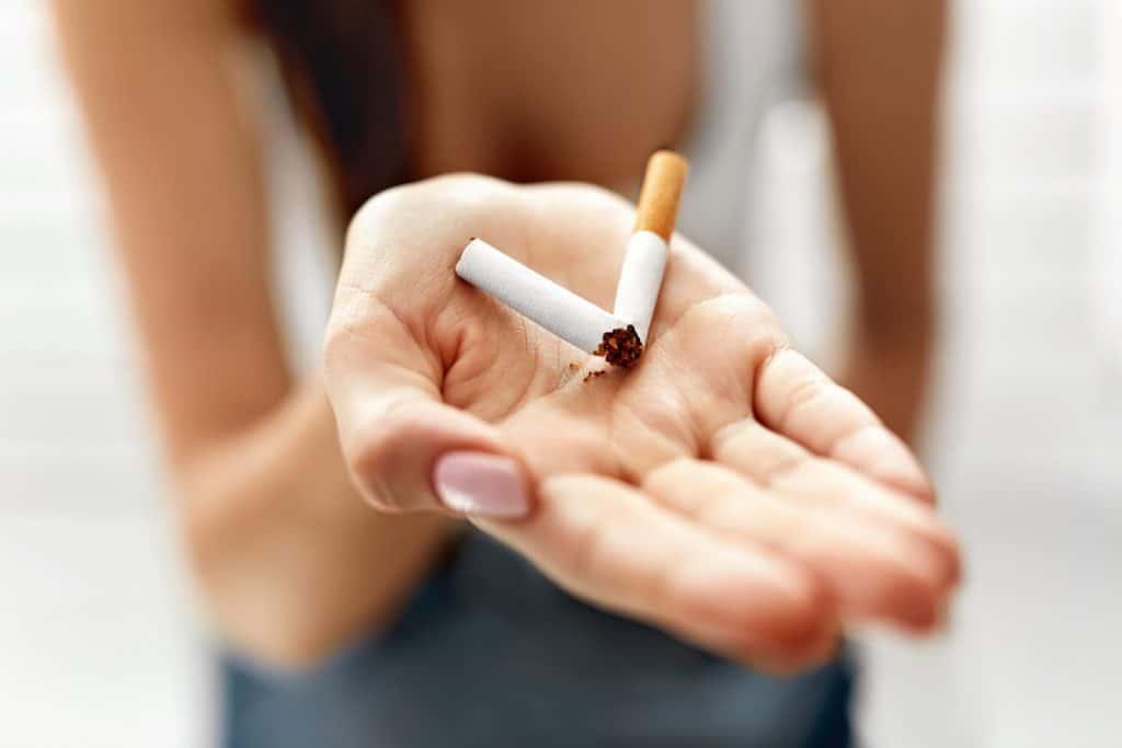 Kouření plné rty